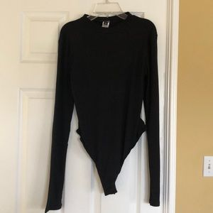 Black Long Sleeve Up to the Neck Shirt